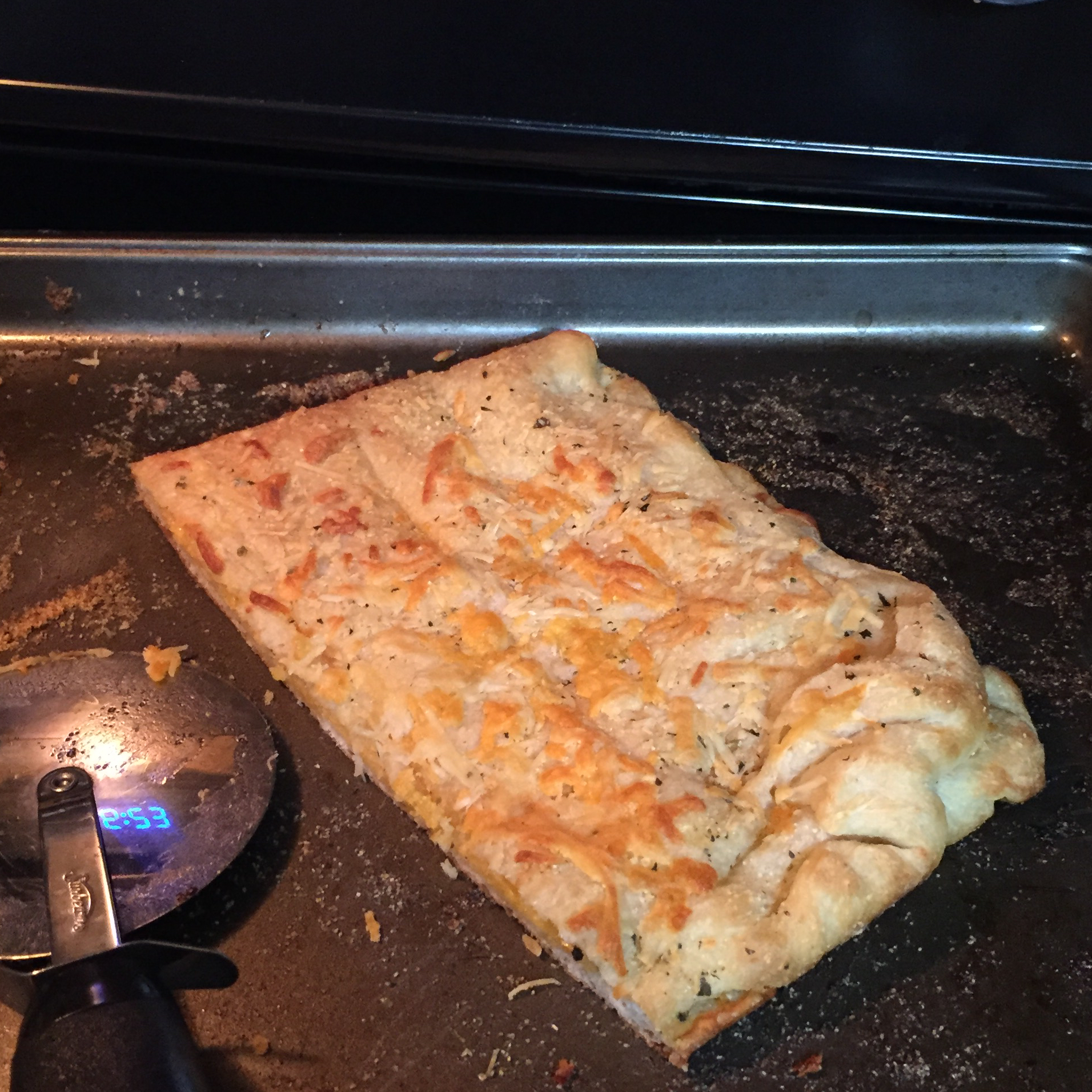 Easy, Breezy, Cheesy Stuffed Bread (Domino's® Copycat Recipe) Laura