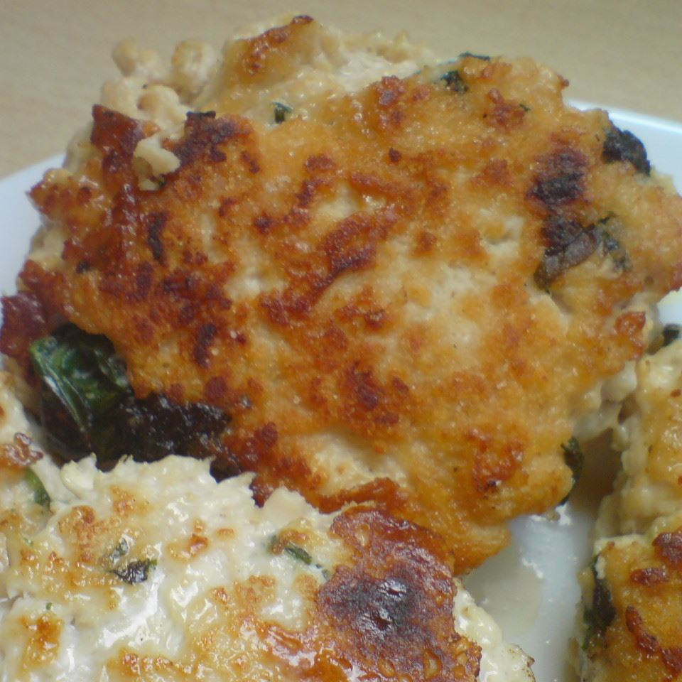 Goat Cheese and Spinach Turkey Burgers Emmanuelle