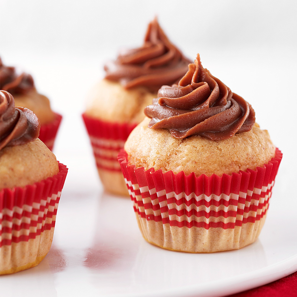 Peanut Butter Blossom Mini Cakes Trusted Brands