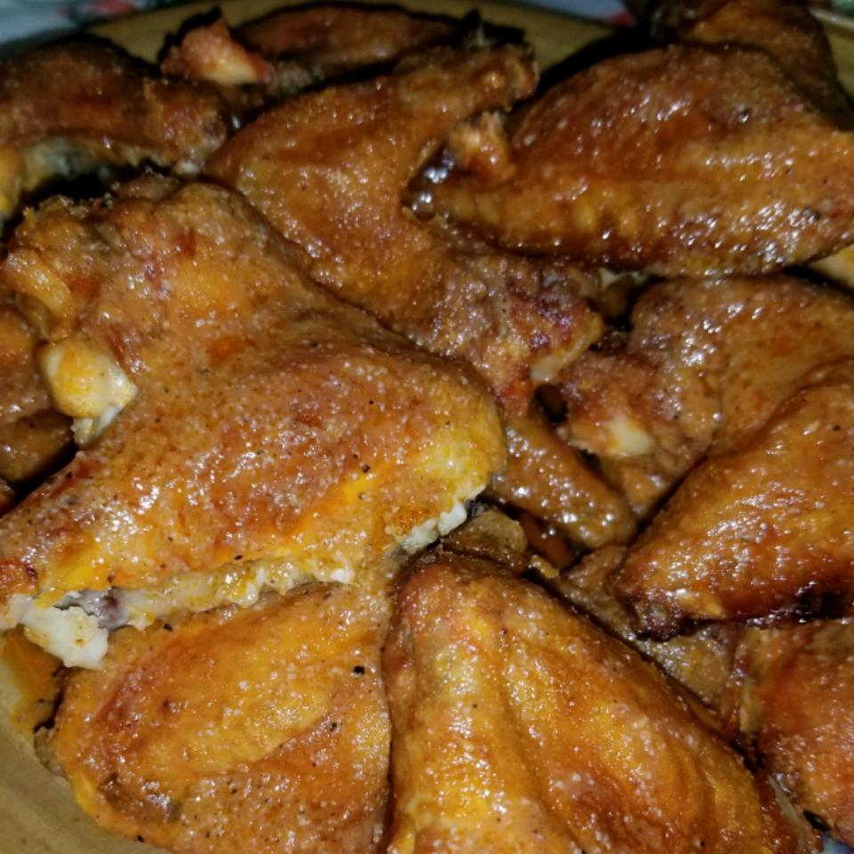 Restaurant-Style Buffalo Chicken Wings talelinna