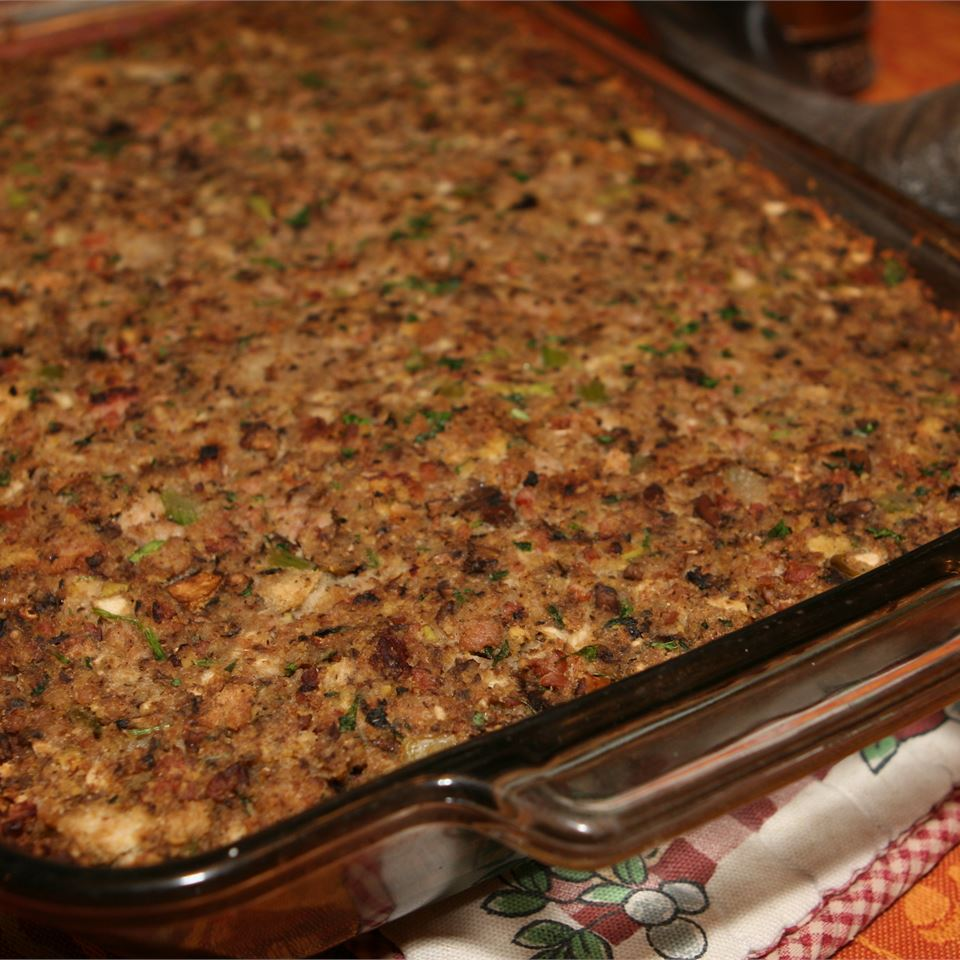 Sausage, Bacon, Apple and Cornbread Stuffing JakesMom311