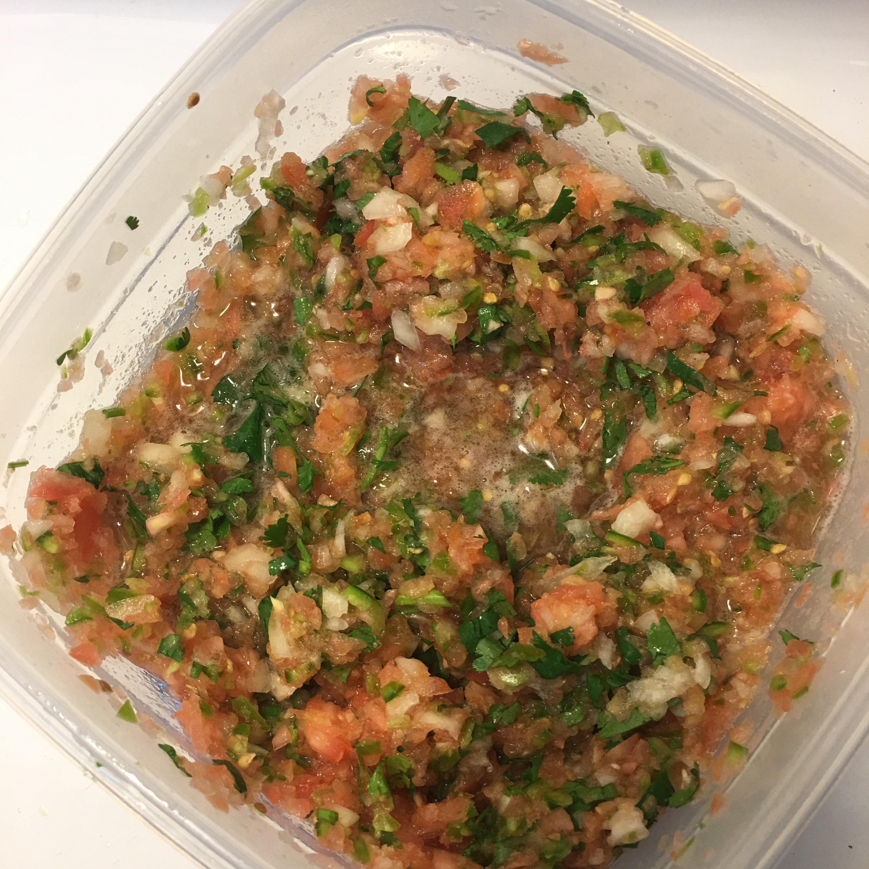 Fresh Tomato Salsa jaxxndylan2018