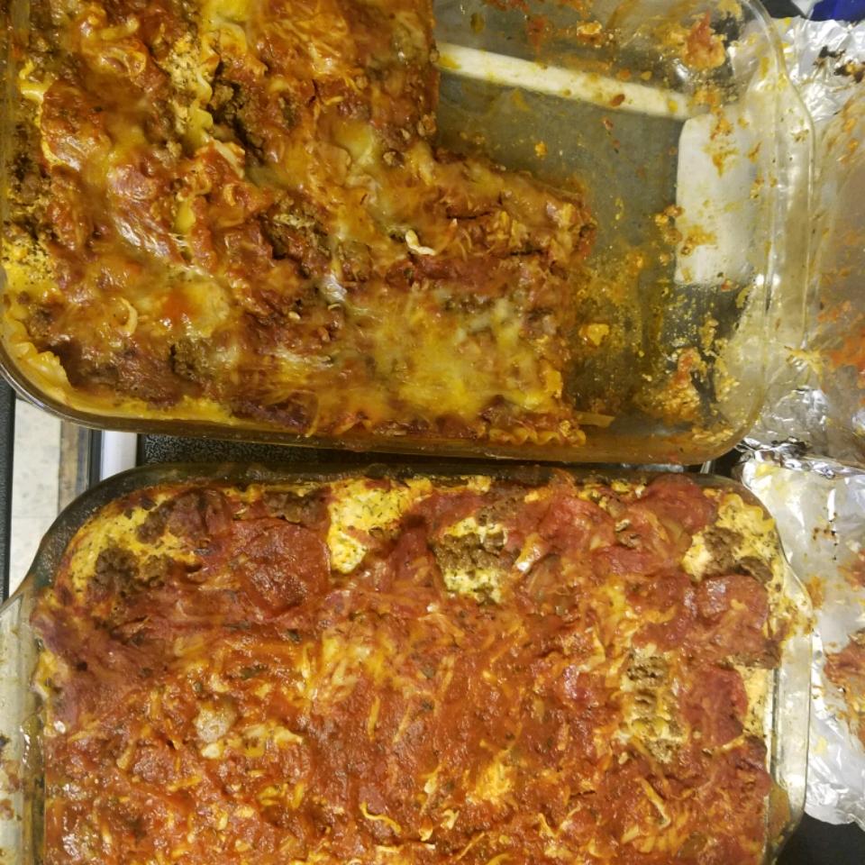 Yummy Lasagna Dale J DeWald