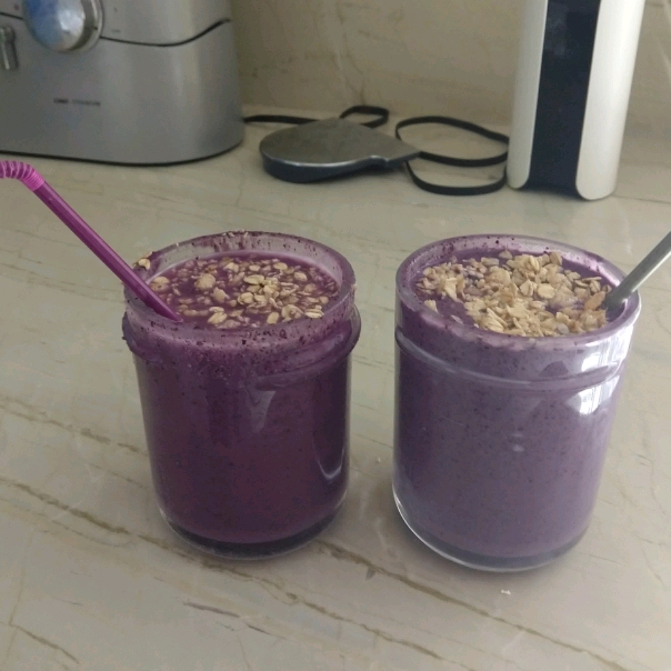 Blueberry, Banana, and Peanut Butter Smoothie WifeandChef