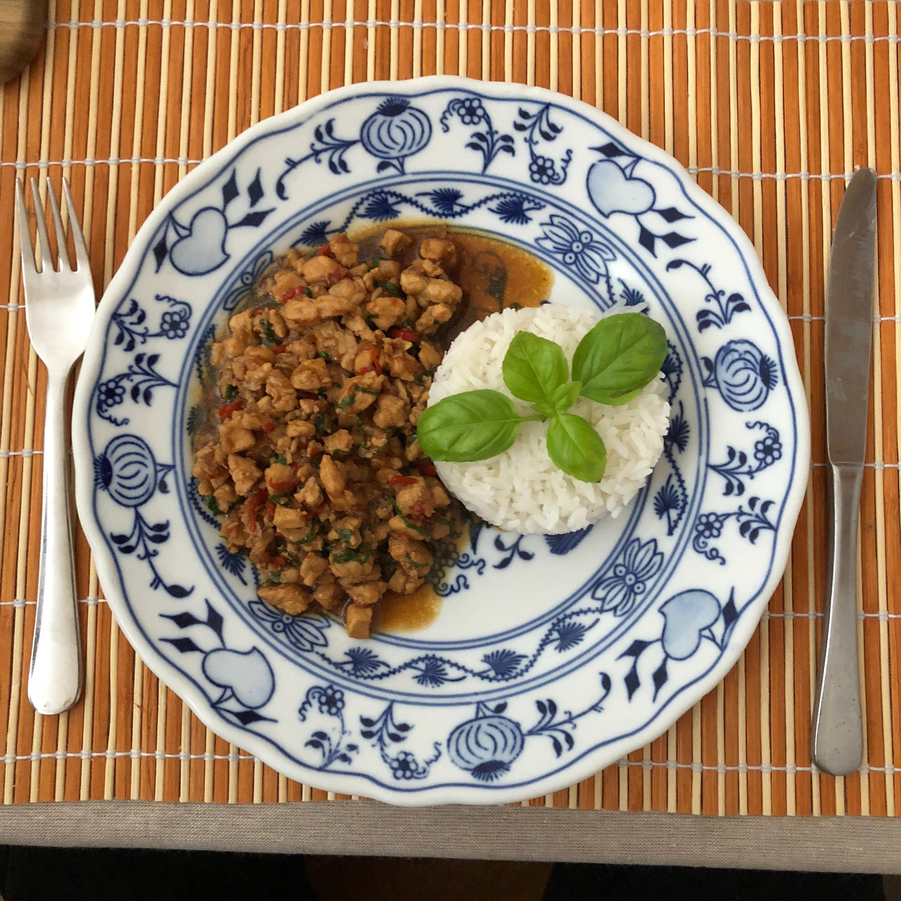 Spicy Thai Basil Chicken (Pad Krapow Gai) dm11