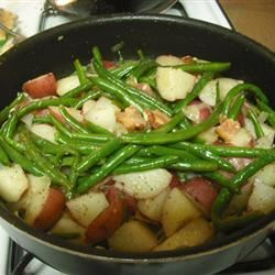 Country Style Green Beans with Red Potatoes Venessa_aka_venny