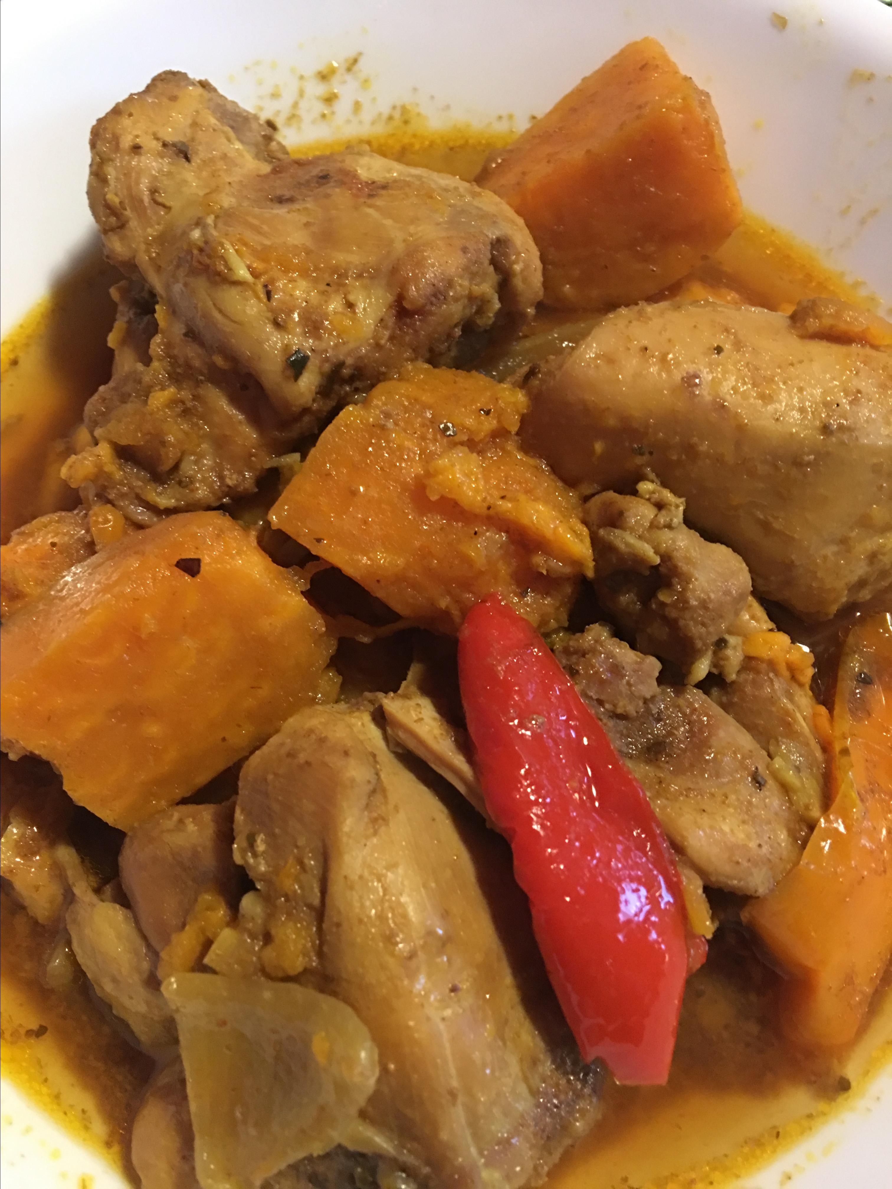 Aunt Dora's Colombian Chicken with Potatoes njmom