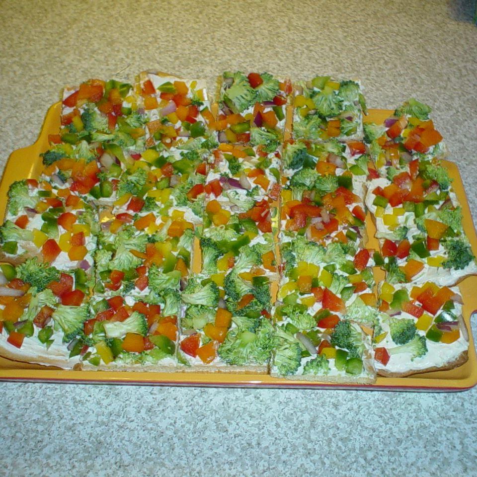 Garden Veggie Pizza Squares