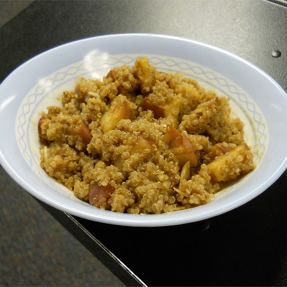 Quinoa Porridge with Cinnamon Apples