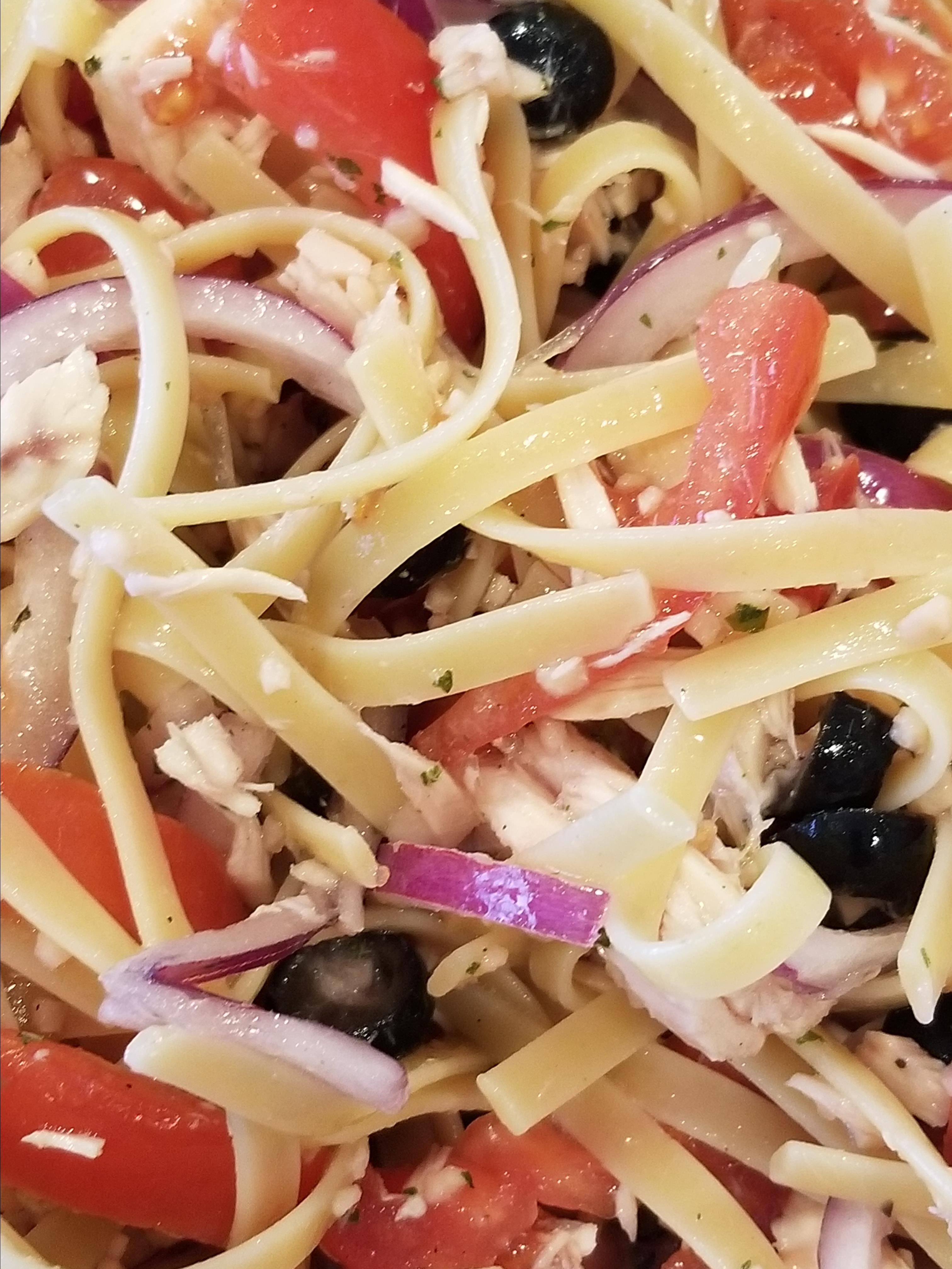 Mediterranean Tuna-Pasta Salad