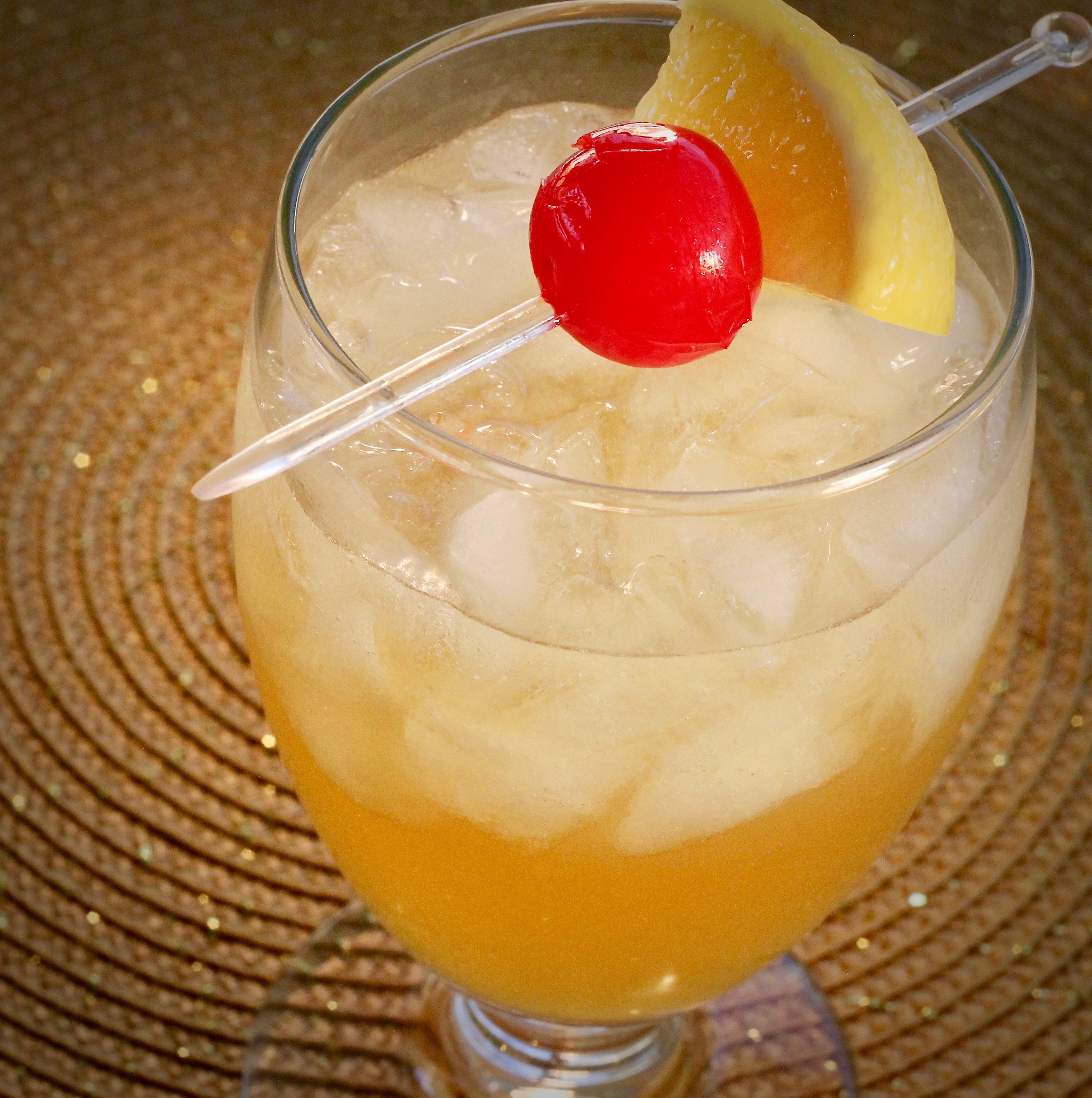 Easy Homemade Whiskey Sour lutzflcat