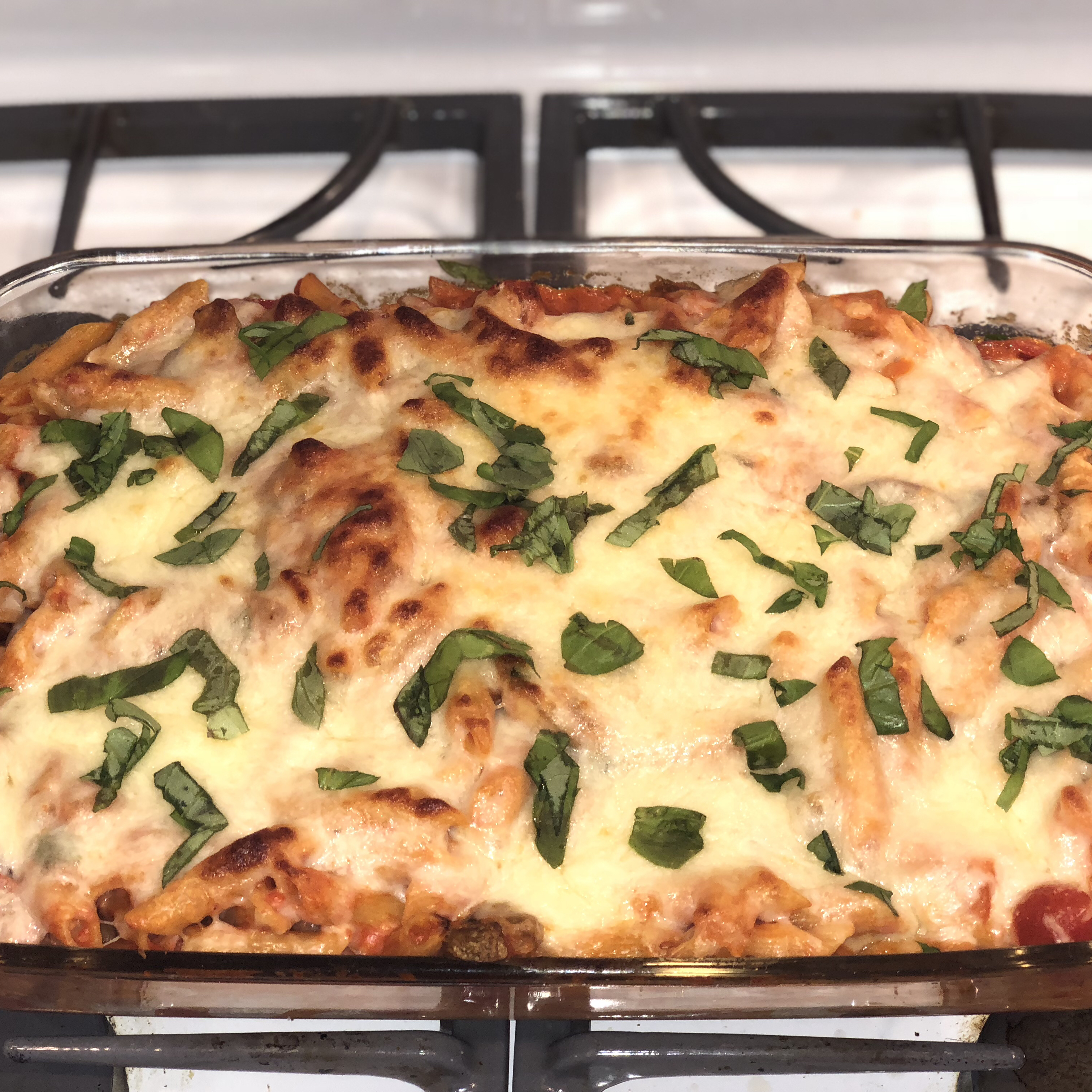 Creamy Pasta Bake with Cherry Tomatoes and Basil dnkypuunch