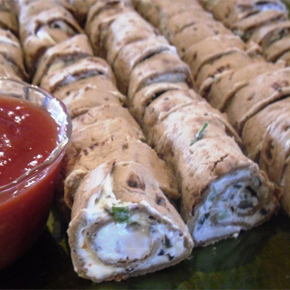 Mexican Cream Cheese Rollups gopintos