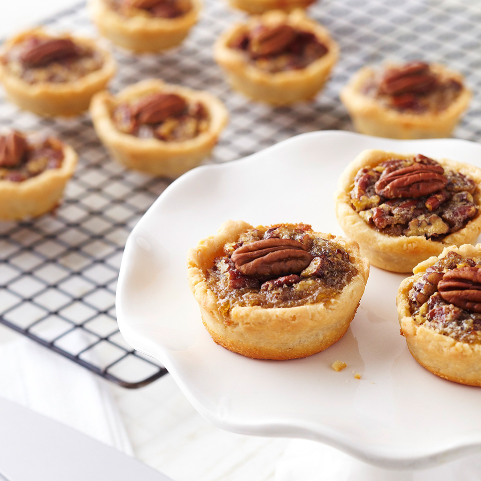"If pecan pie is a thanksgiving ""must"" at your house, there's no need to skip the tradition because you're on a diabetic meal plan. These mini pies with only 19 carbs per serving let you enjoy the festive treat without a second thought."