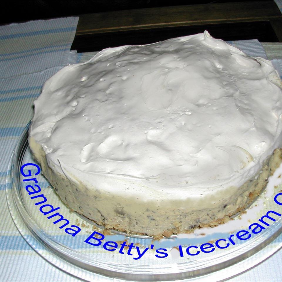 Grandma Betty's Ice Cream Cake FISH3255