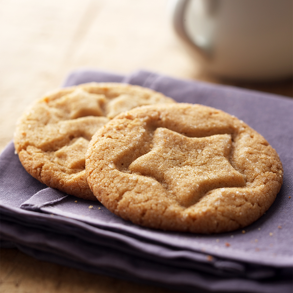 This irresistible diabetic-friendly peanut butter cookie recipe contains no flour. For Christmas or special occasions, imprint them with cookie cutters to fit the season instead of the star-shaped cutter.
