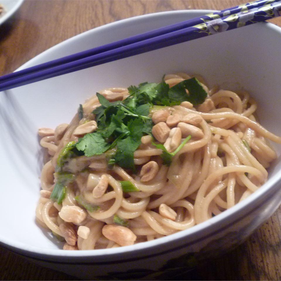 Peanut Noodles Avon- status quo PRO