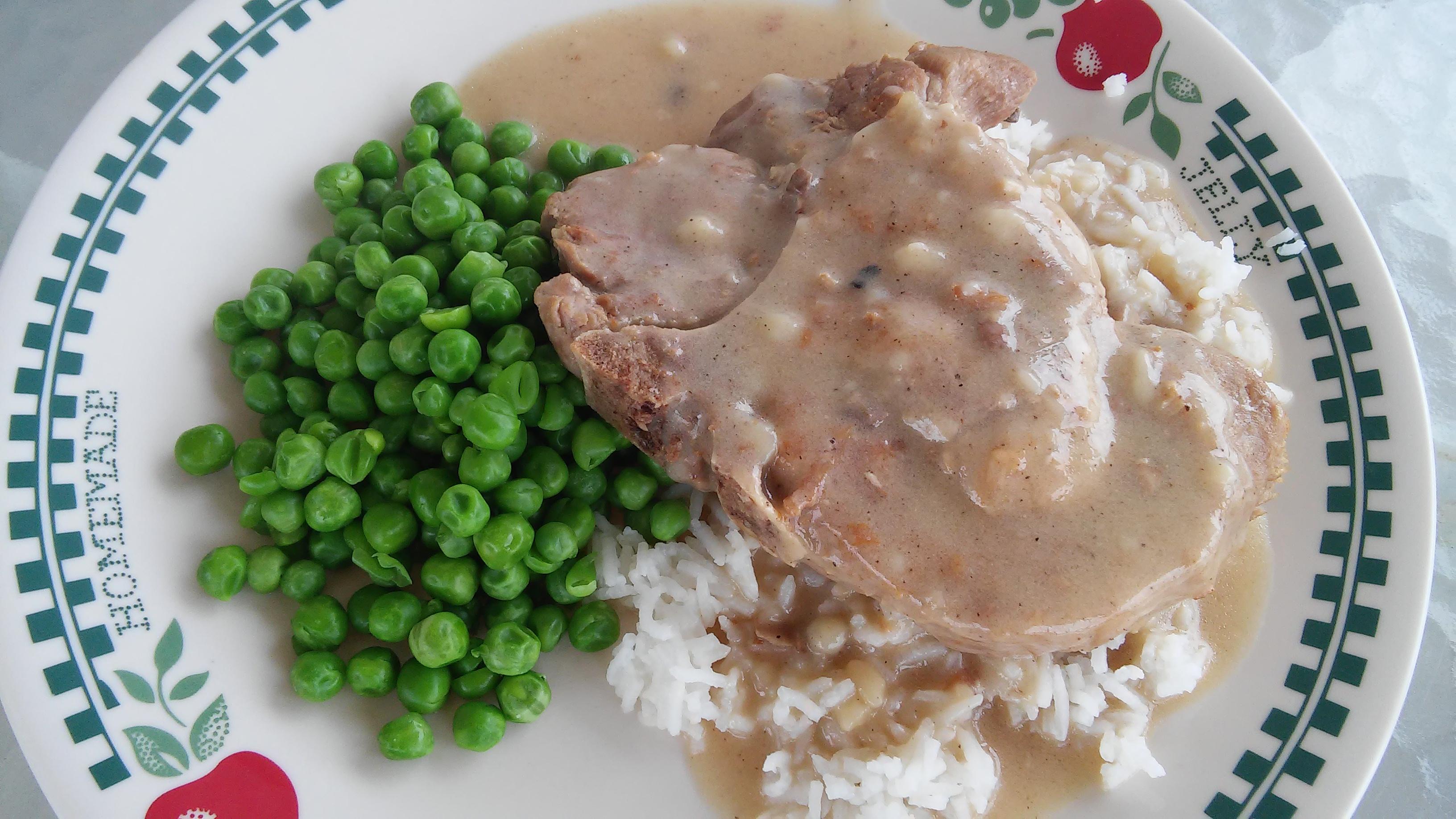 Instant Pot® Pork Chops and Gravy