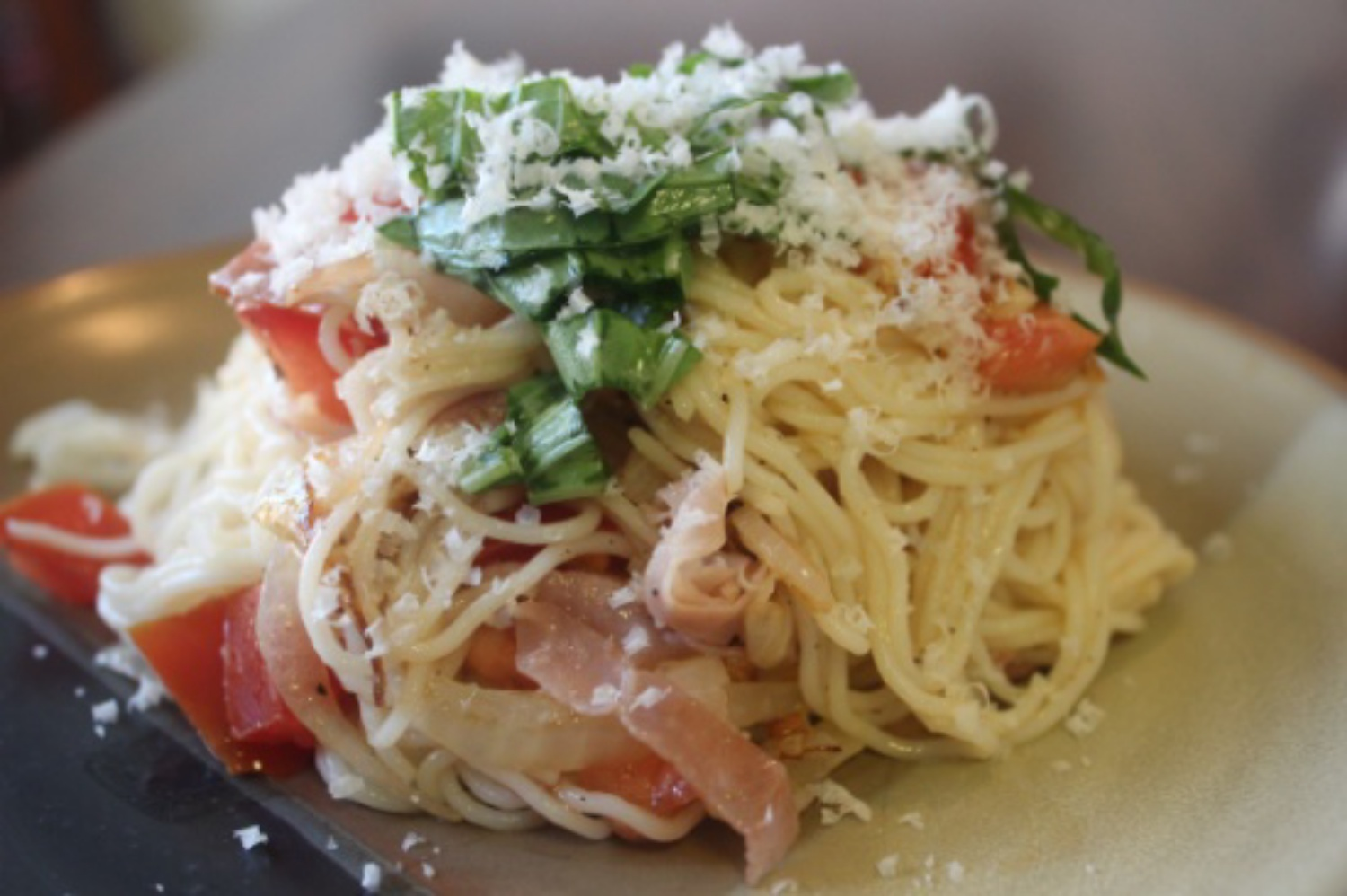 Summer Fresh Pasta with Tomatoes and Prosciutto mommyluvs2cook