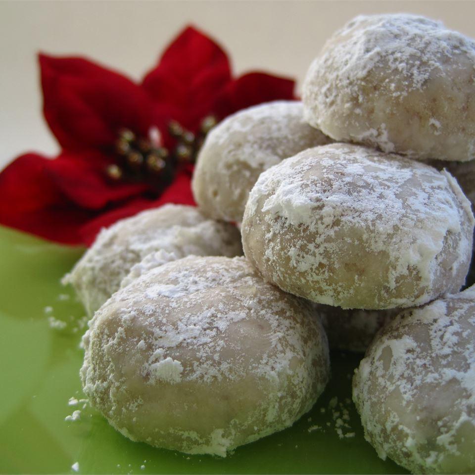 Elizabeth Dole's Pecan Roll Cookies Barb
