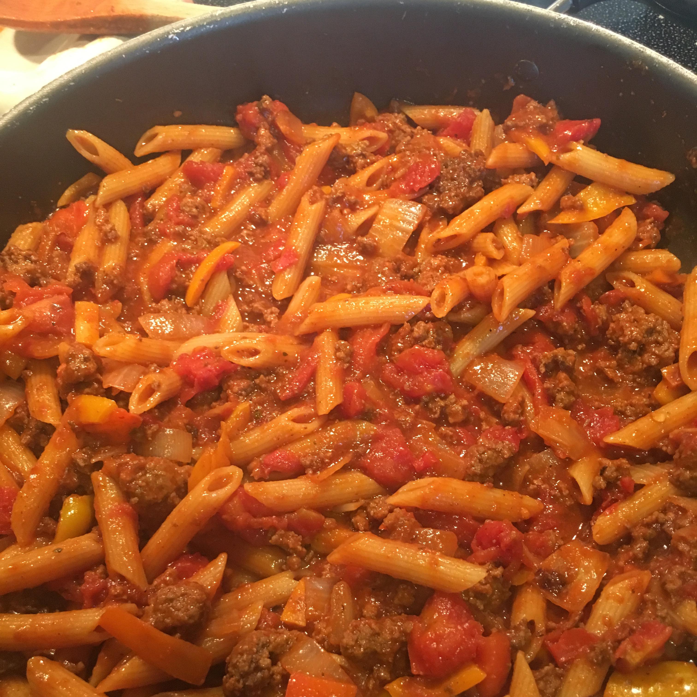 A Minnesotan's Beef and Macaroni Hotdish
