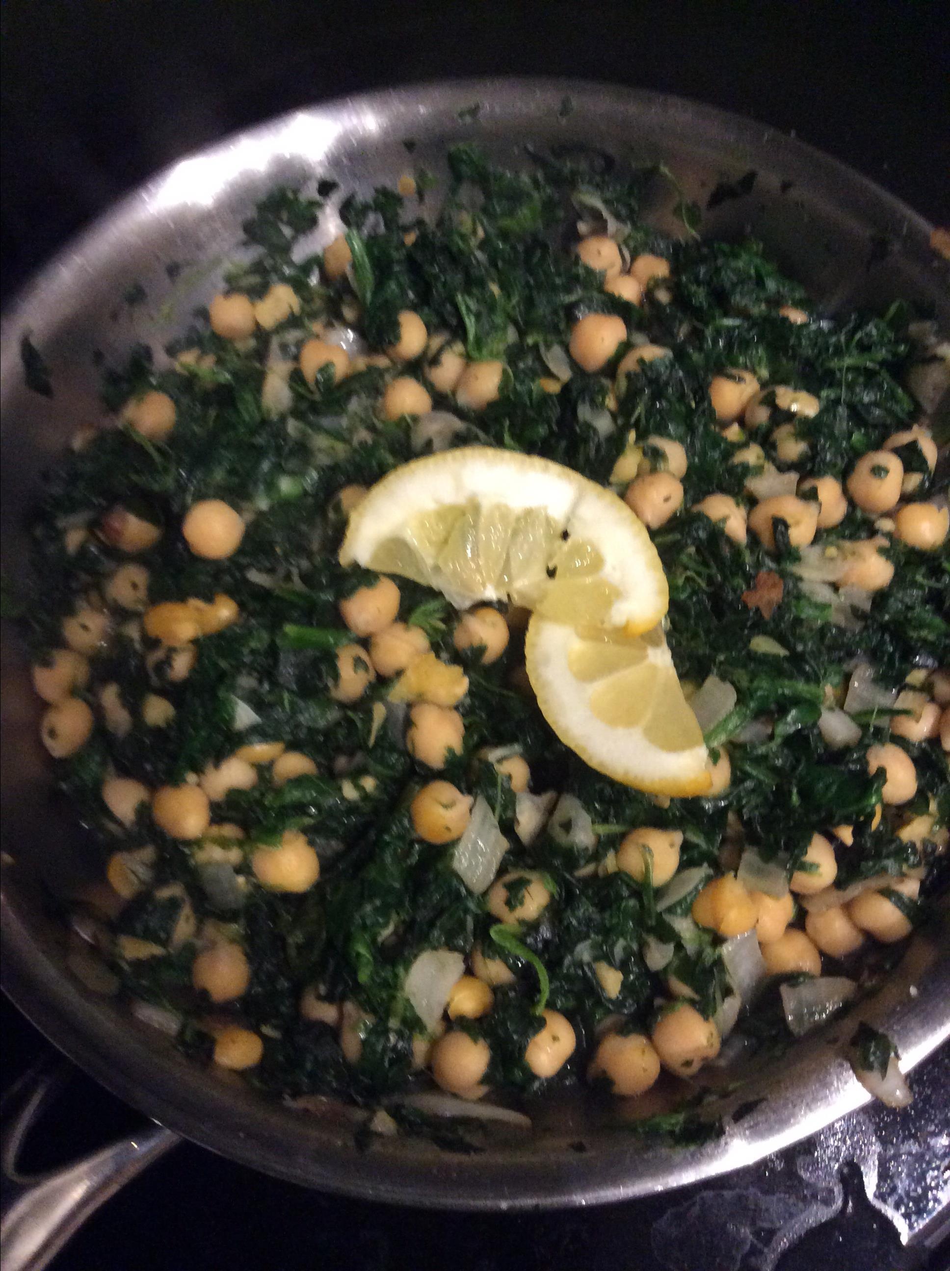 Espinacas con Garbanzos (Spinach with Garbanzo Beans) Janice Burleigh