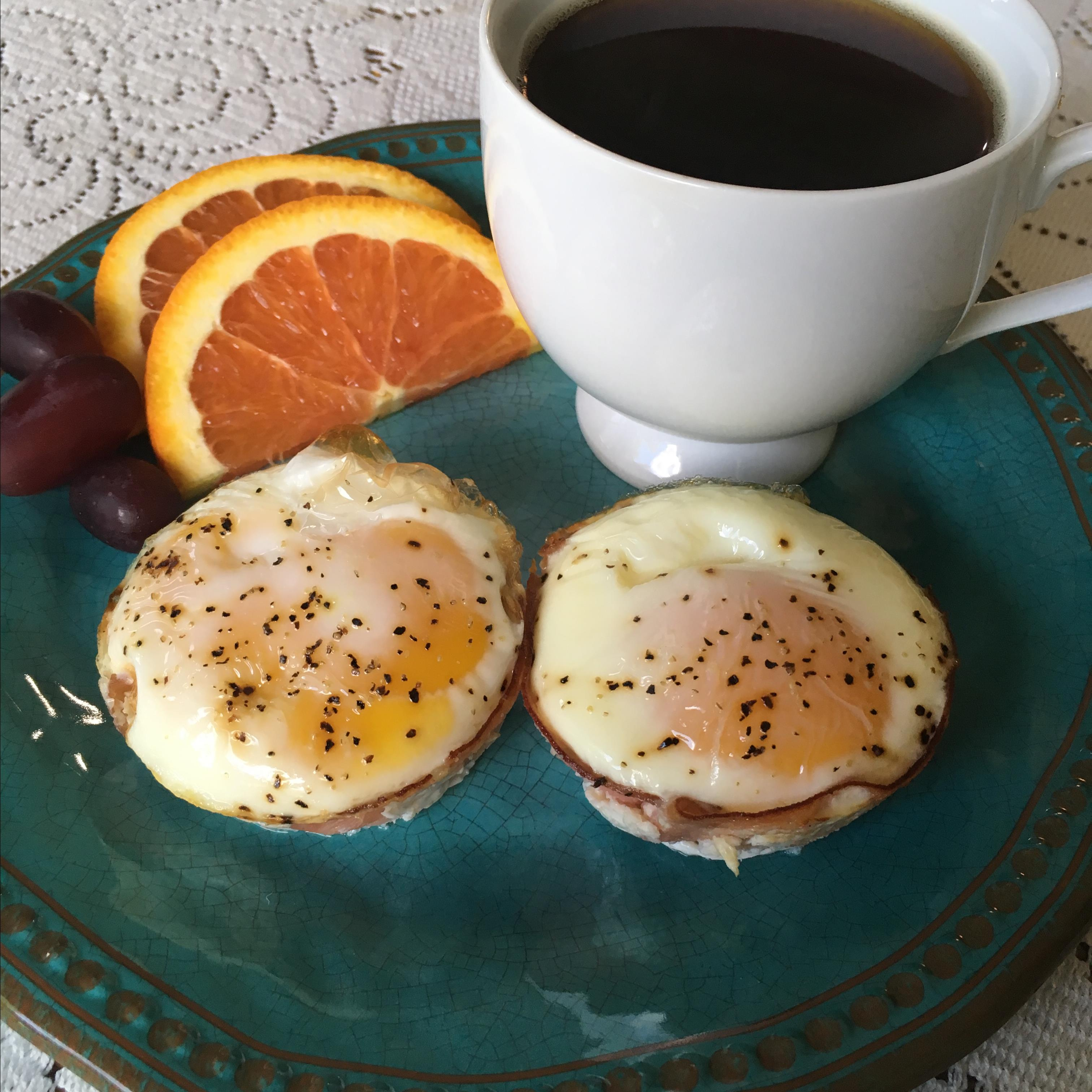 Breakfast Ham and Egg Cups bubbad816