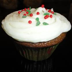 Gingerbread Cupcakes with Cream Cheese Frosting Jen