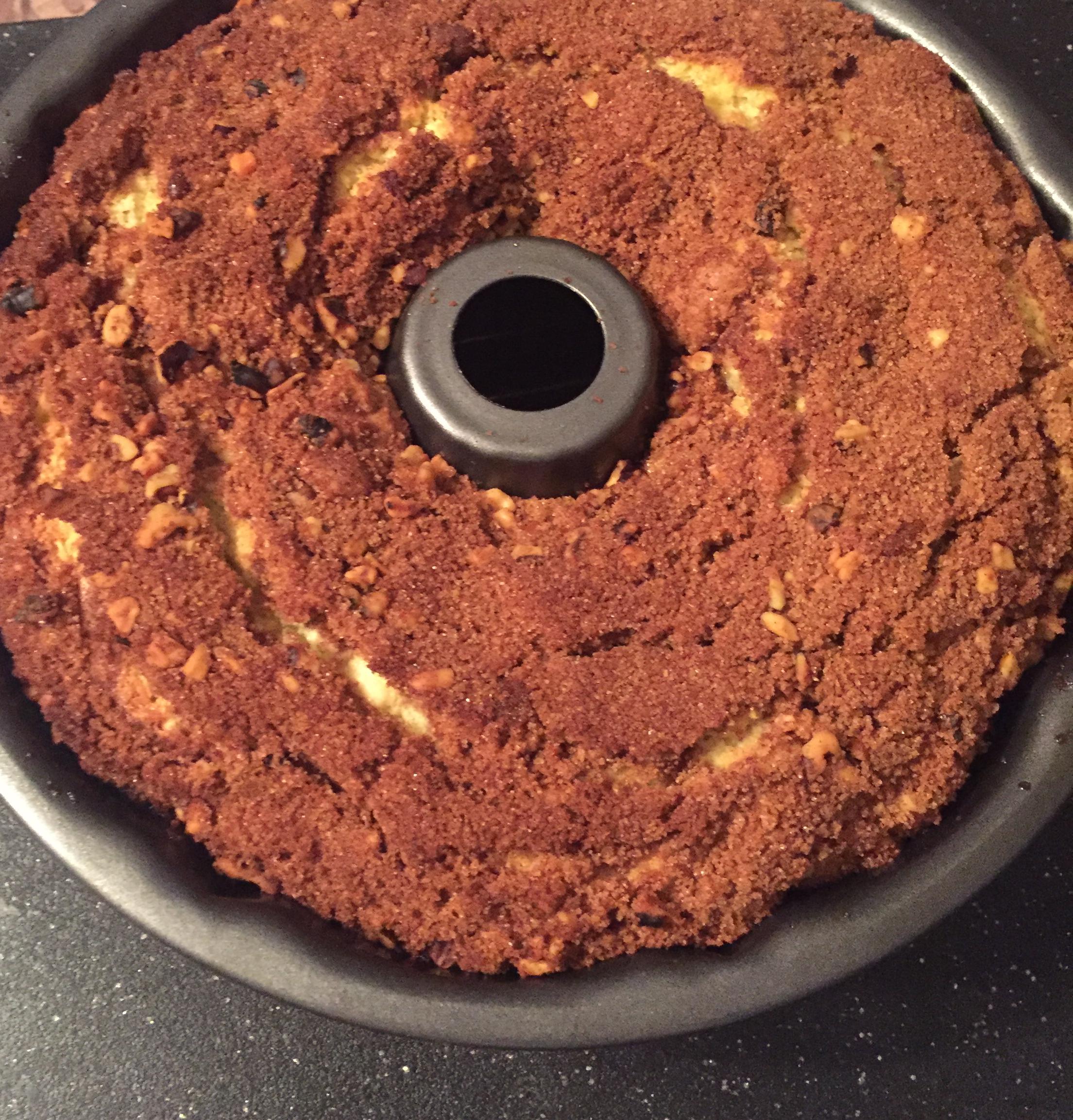 Chocolate Chip Sour Cream Coffee Cake lindaja
