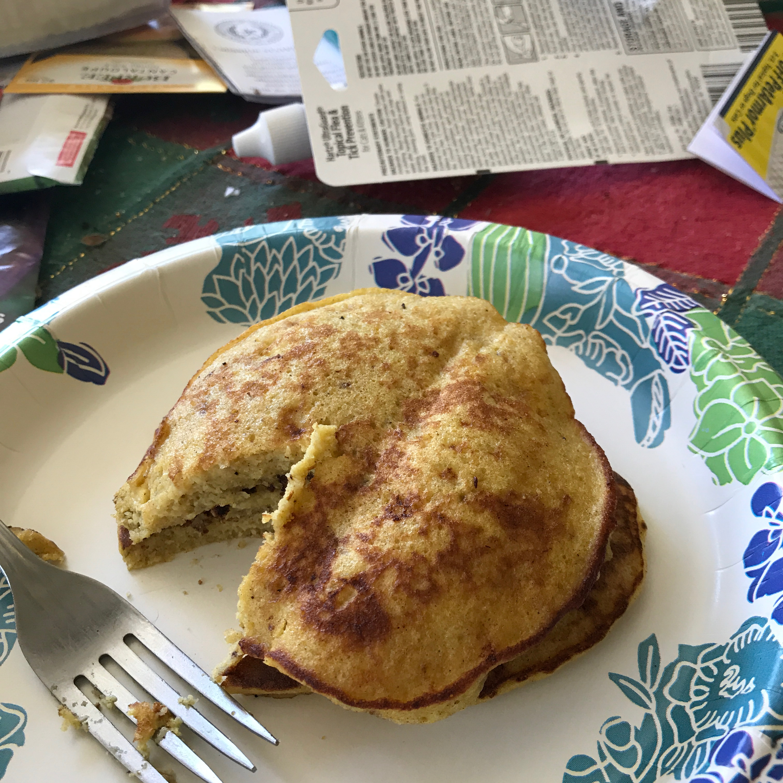 2-Ingredient Wheat-Free Banana Pancakes (Paleo) Ellen Clark