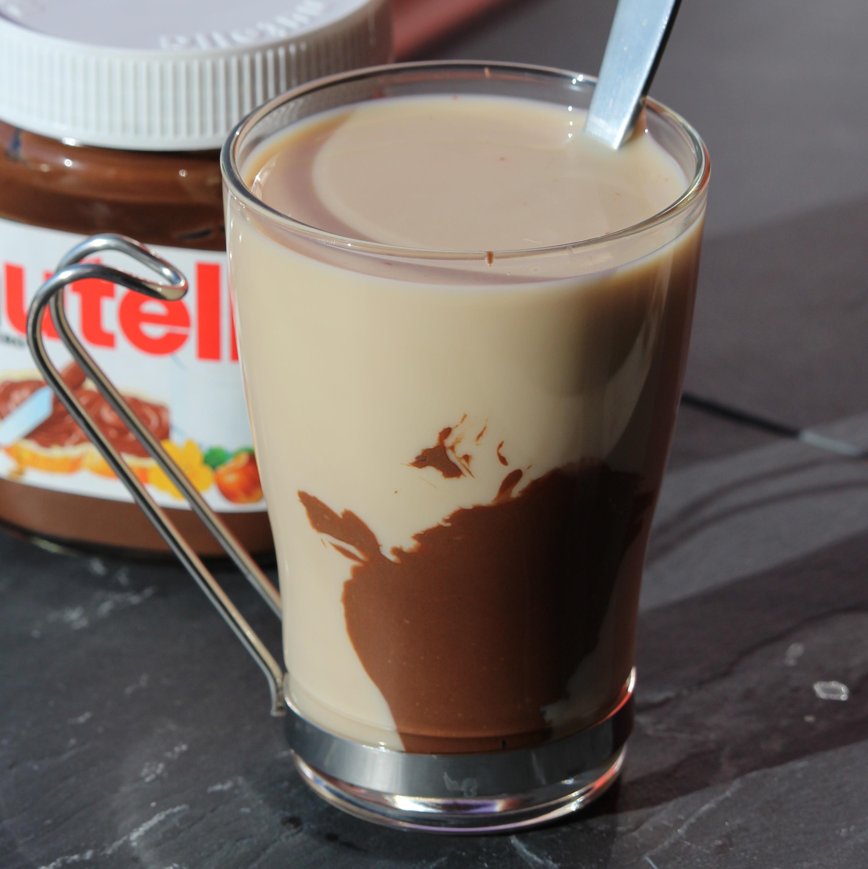 Iced Almond Milk Nutella® Latte Buckwheat Queen