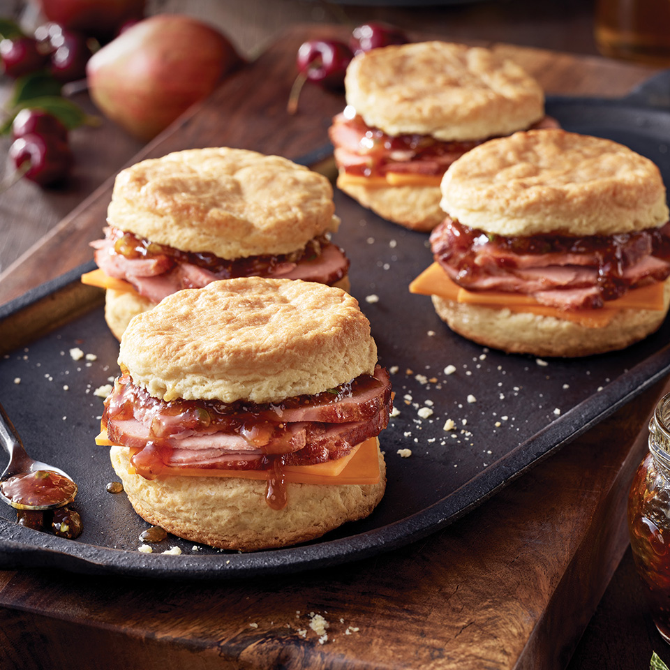Boar's Head Bold® BourbonRidge™ Uncured Smoked Ham and Cheddar Biscuits