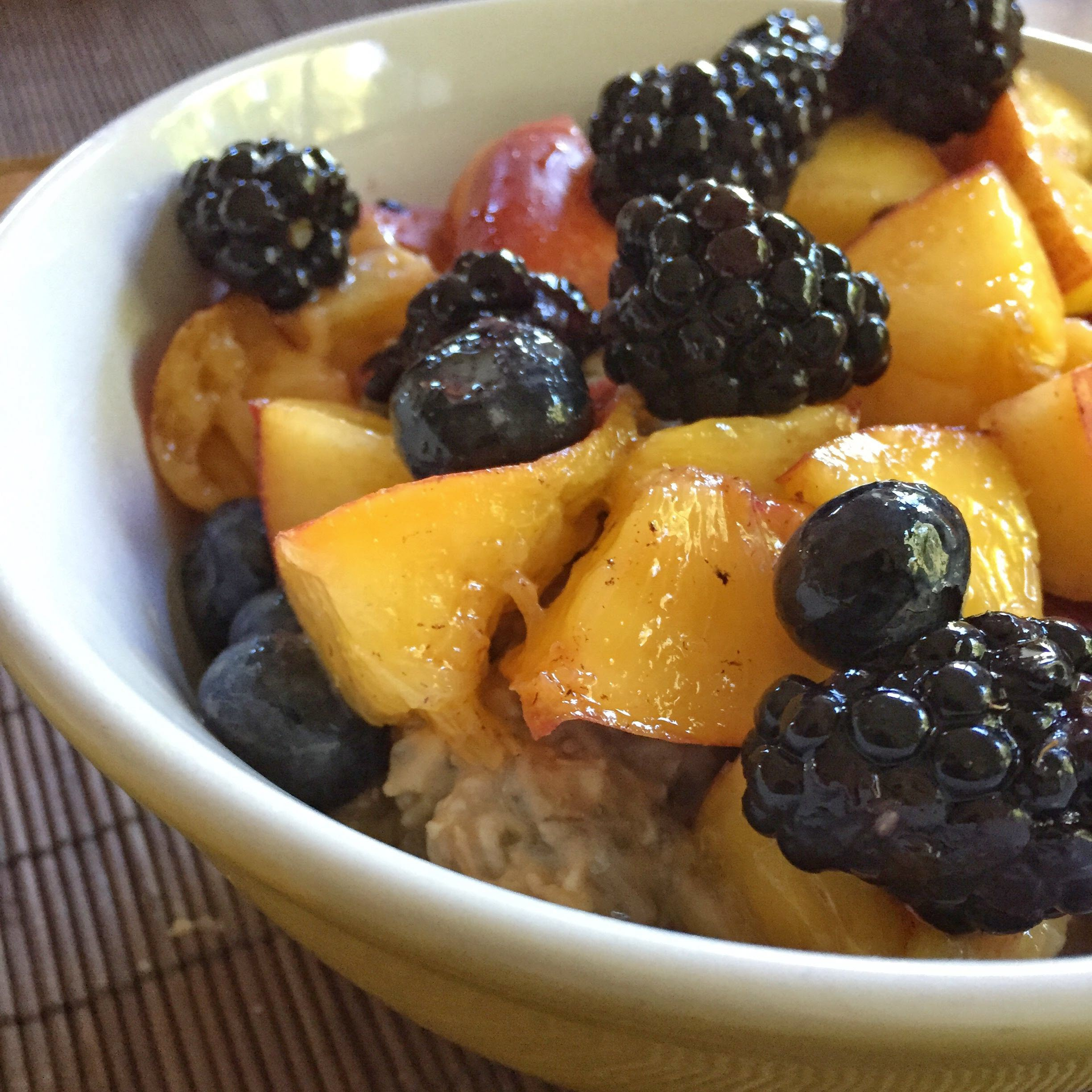 Vegan Overnight Oats with Chia Seeds and Fruit