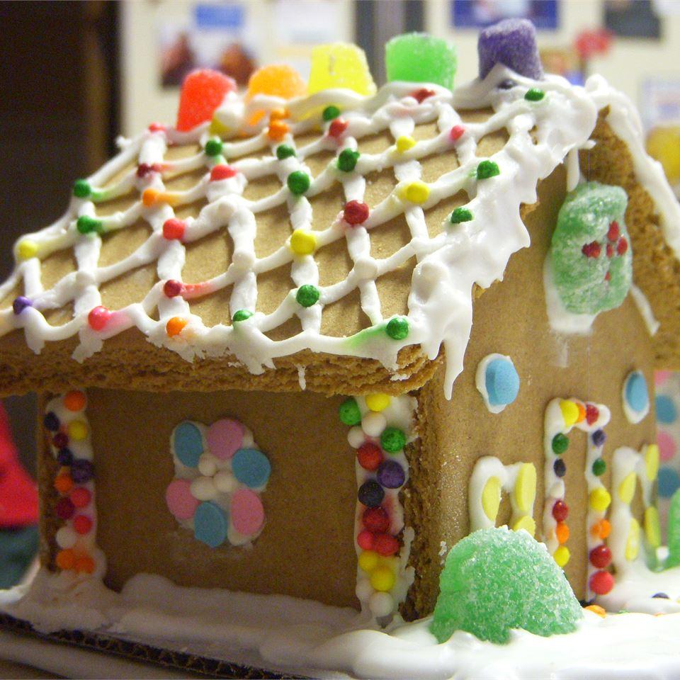 Children's Gingerbread House SBelle