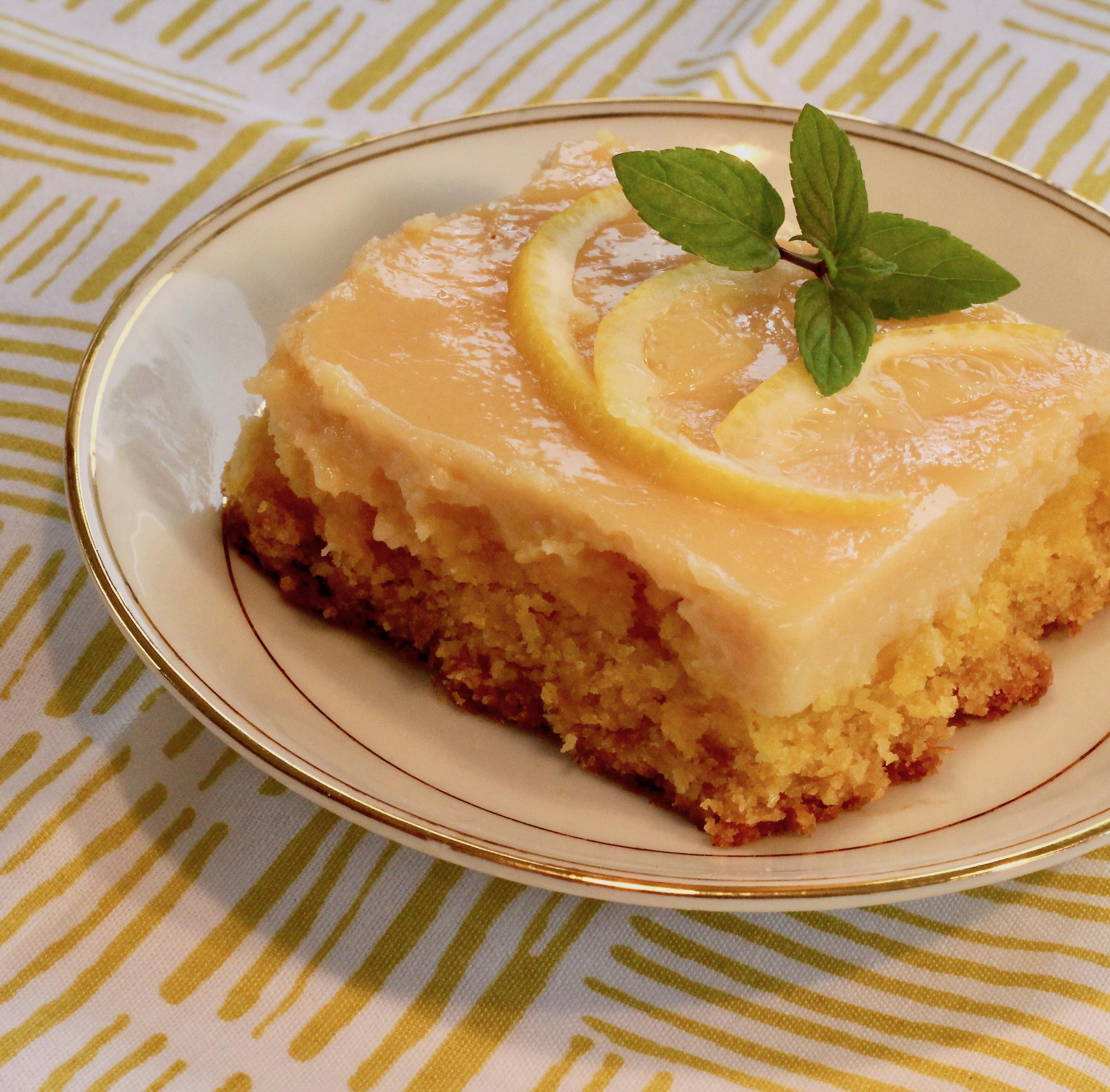 Sunshine Lemon Bars lutzflcat
