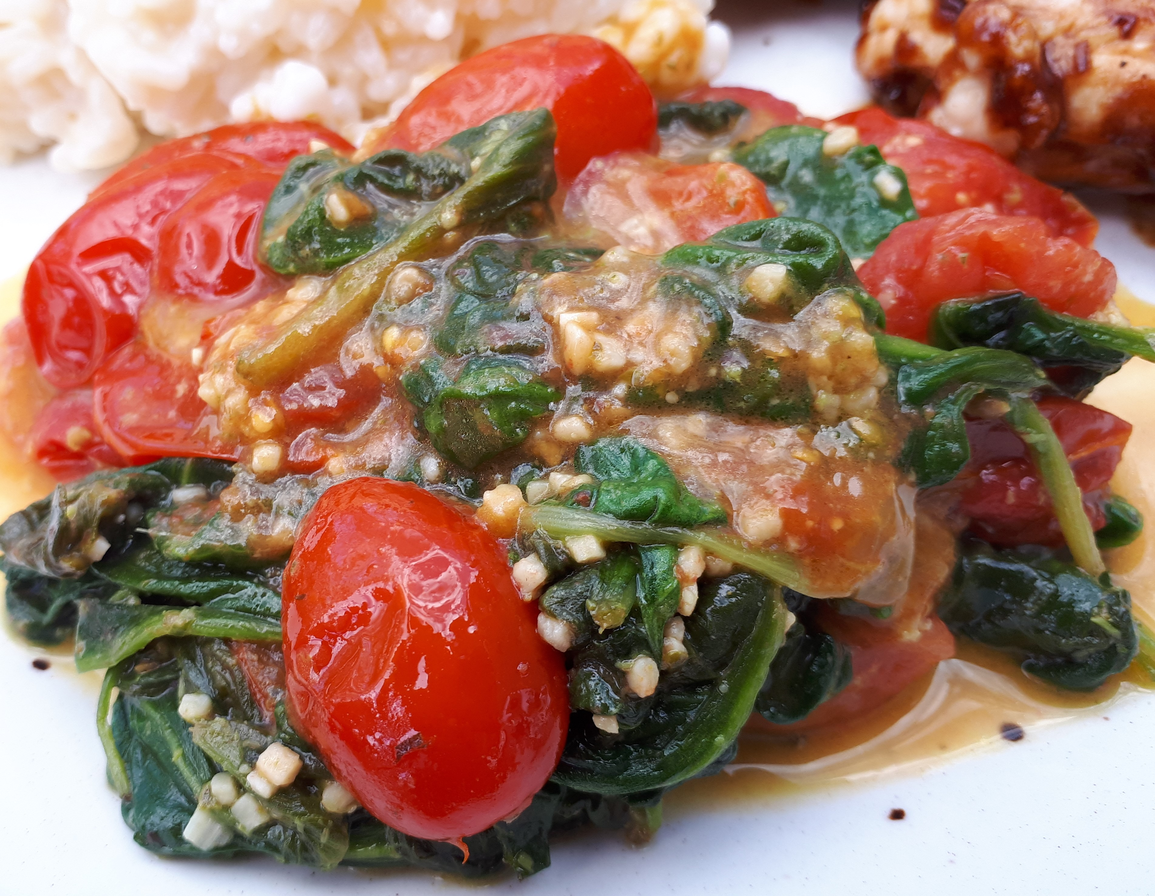 Pesto Spinach and Tomatoes tonia.st