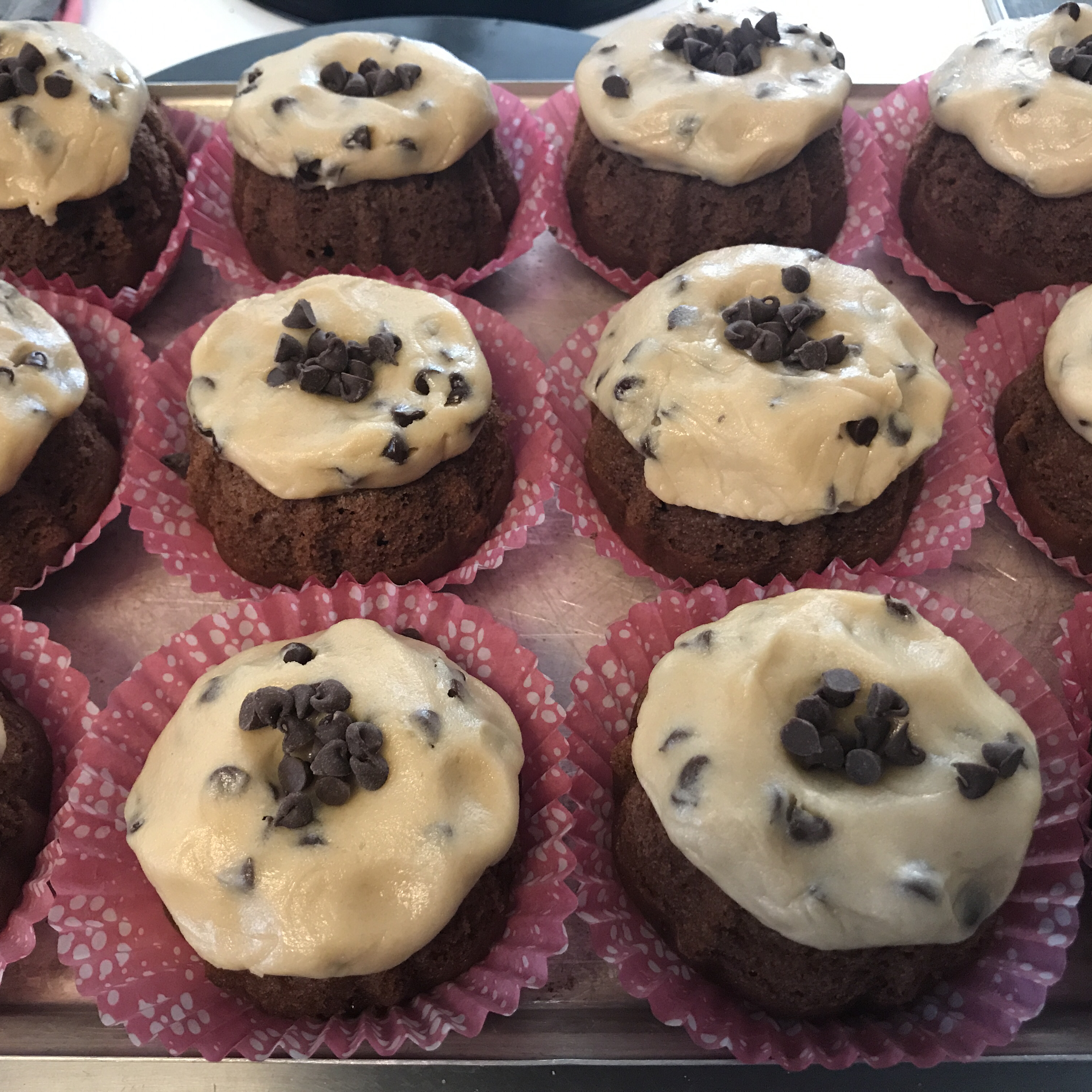 Chocolate Chip Cookie Dough Frosting shireehiebp