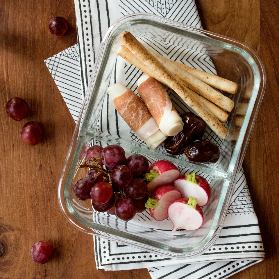 Inpired by Starbucks' bistro boxes, this packable lunch is just like a personal-size cheese plate to take on-the-go. The healthy and easy snack-style meal is perfect to take for lunch at work or for a light picnic date night. Source: EatingWell.com, May 2018