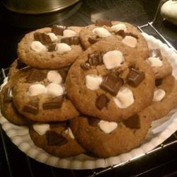 S'mores Cookies with Graham Crackers lyricocean