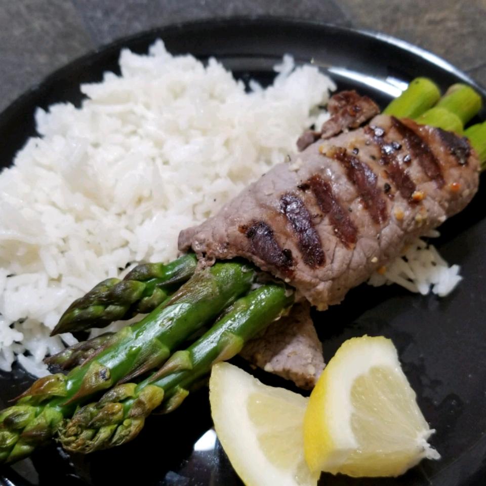 Grilled Asparagus Steak Bundles Kelly Keating
