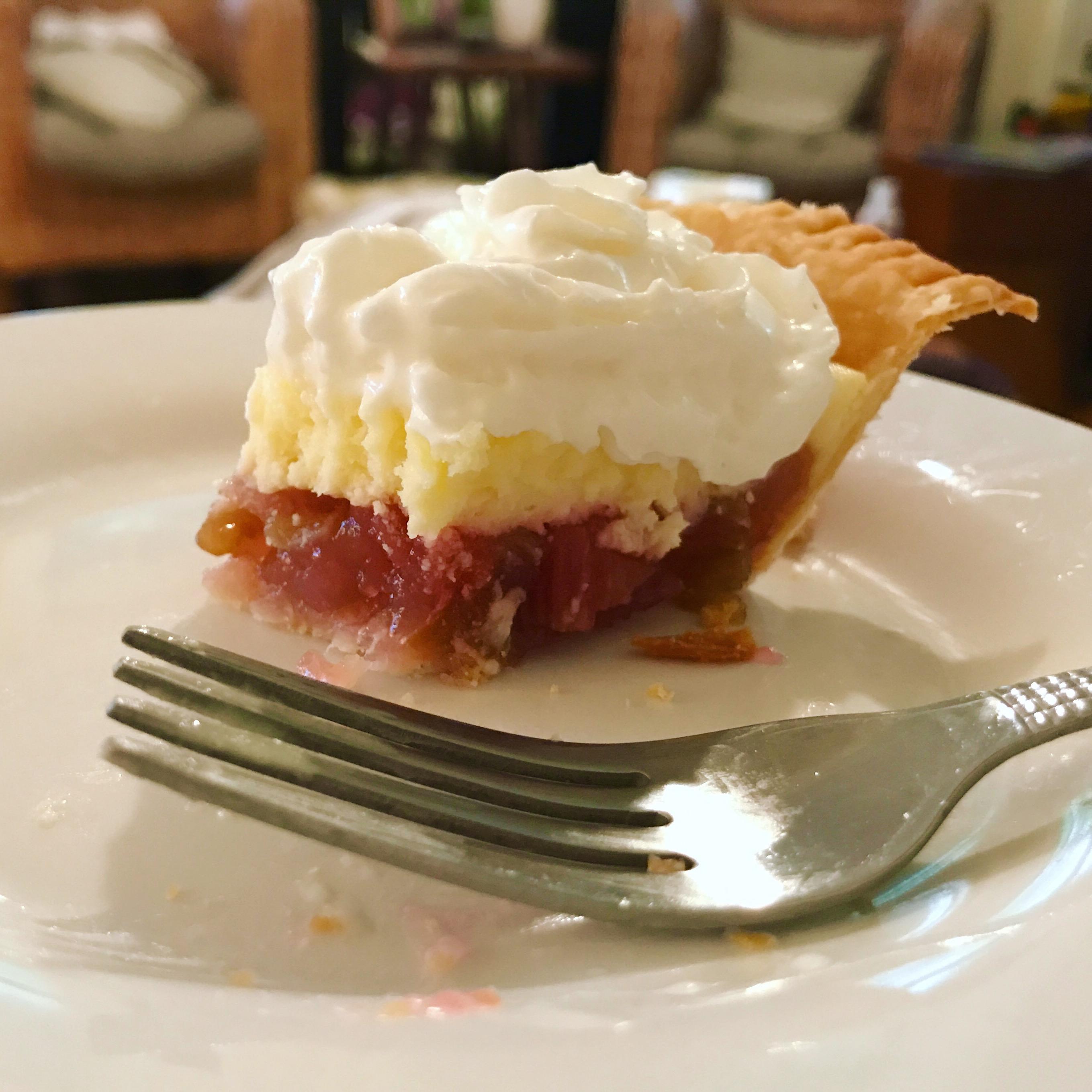 Rhubarb Cheesecake Pie KDi