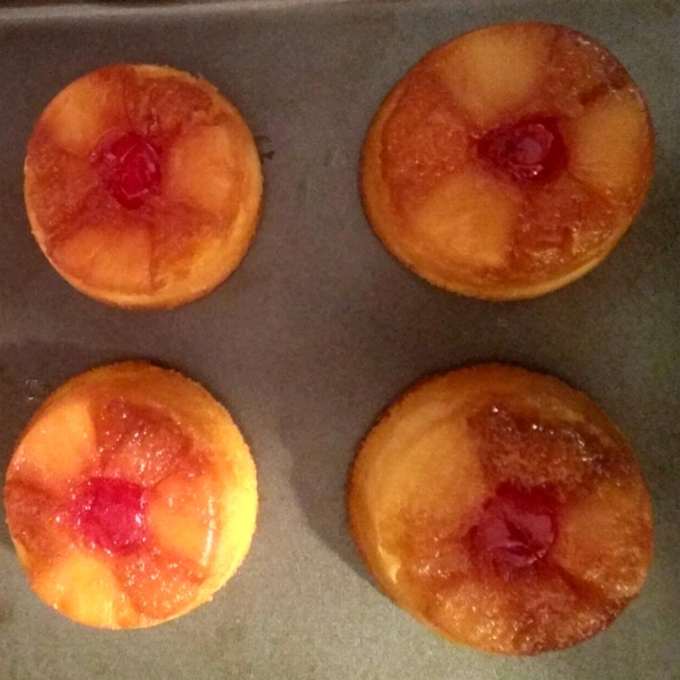 Pineapple Upside-Down Cupcakes kimbellfamily