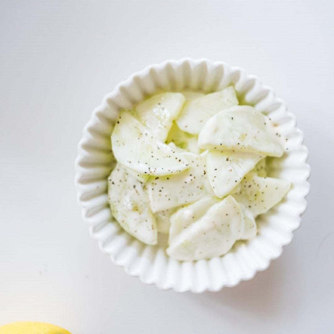 5-Minute Creamy Keto Cucumber Salad