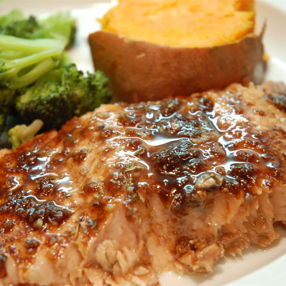 Balsamic-Glazed Salmon Fillets ISYBEL