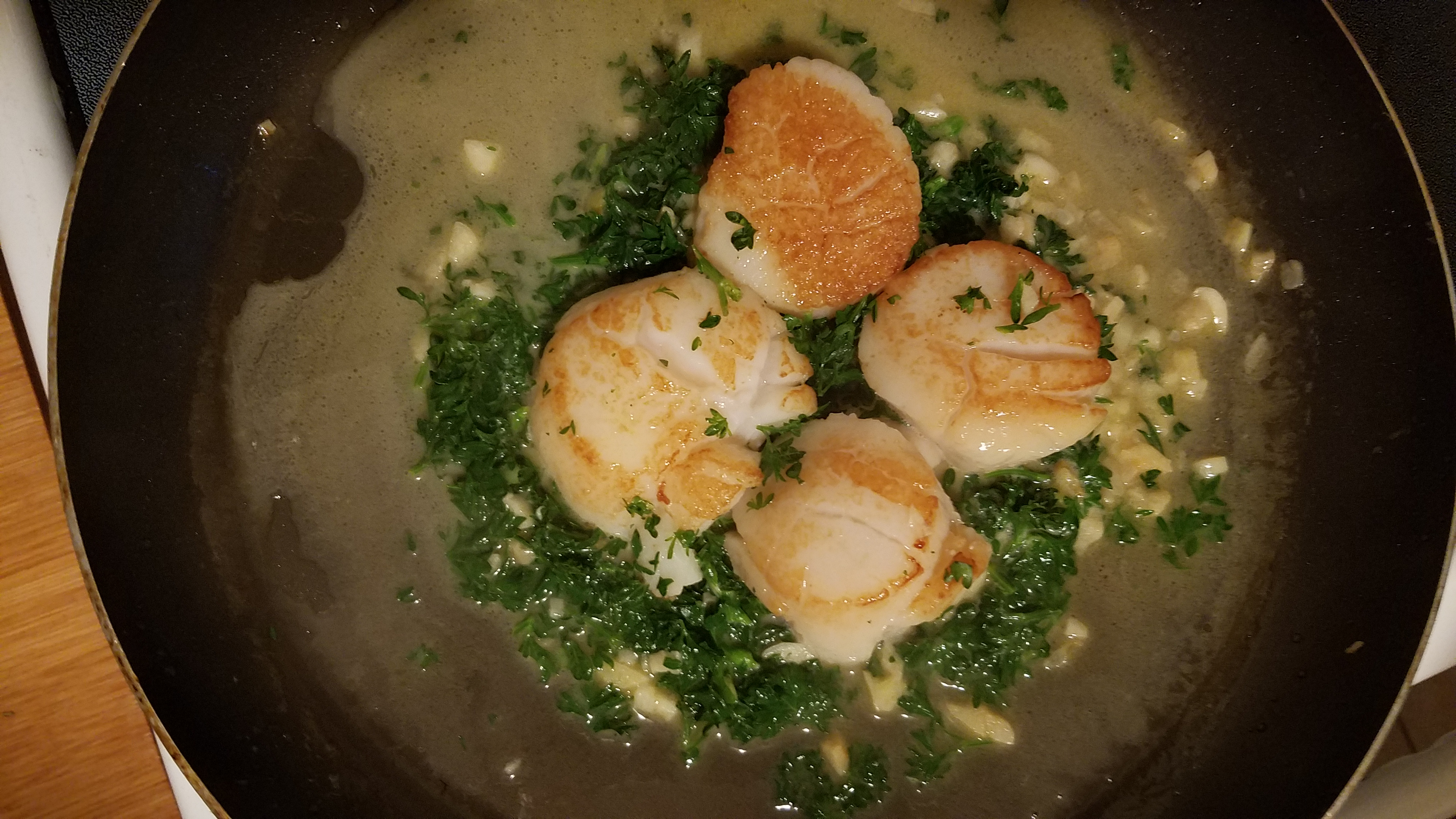 Bay Scallops with Garlic Parsley Butter Sauce