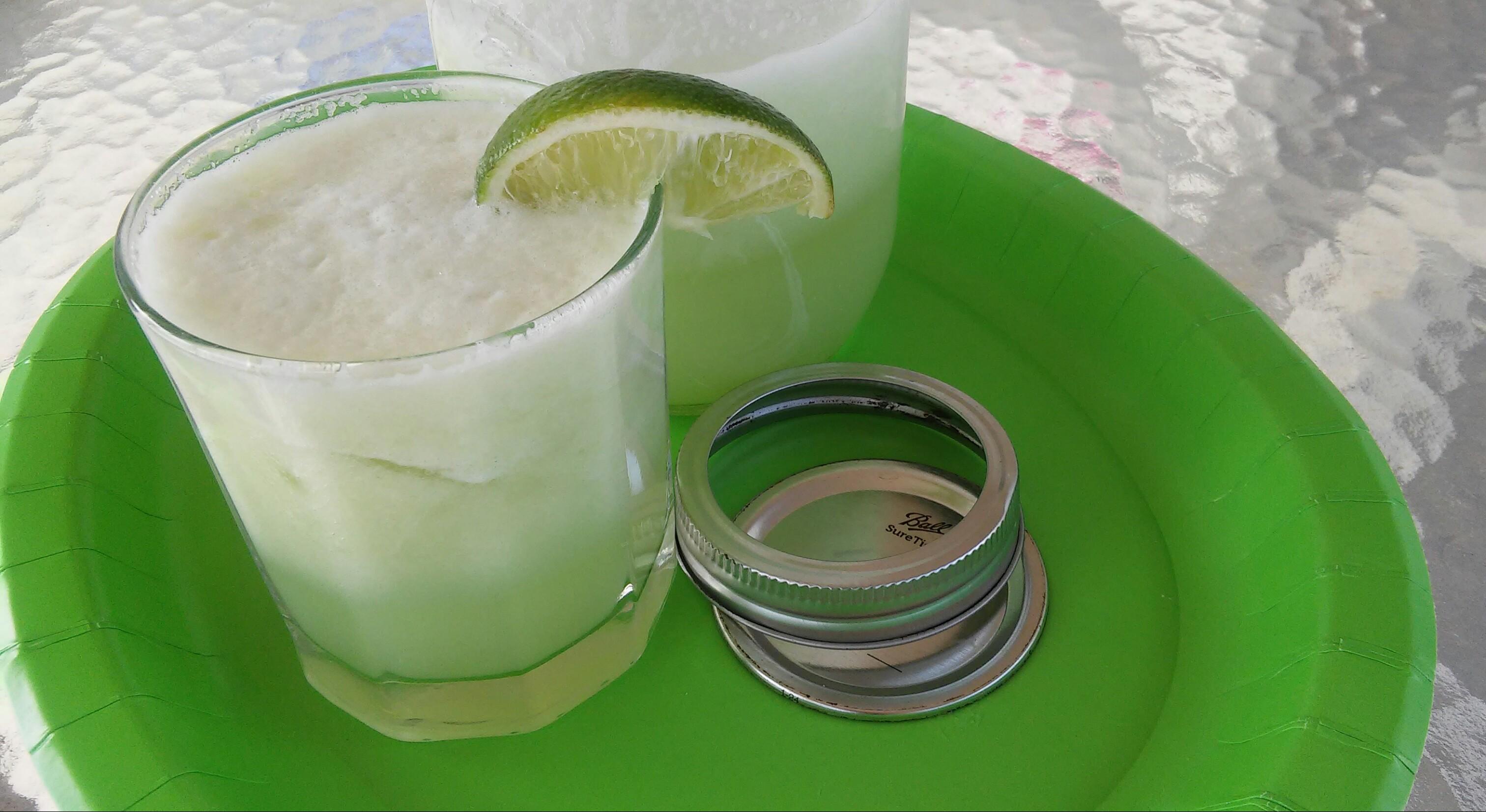 Agua Fresca de Pepino (Cucumber Limeade) Tammy Lynn