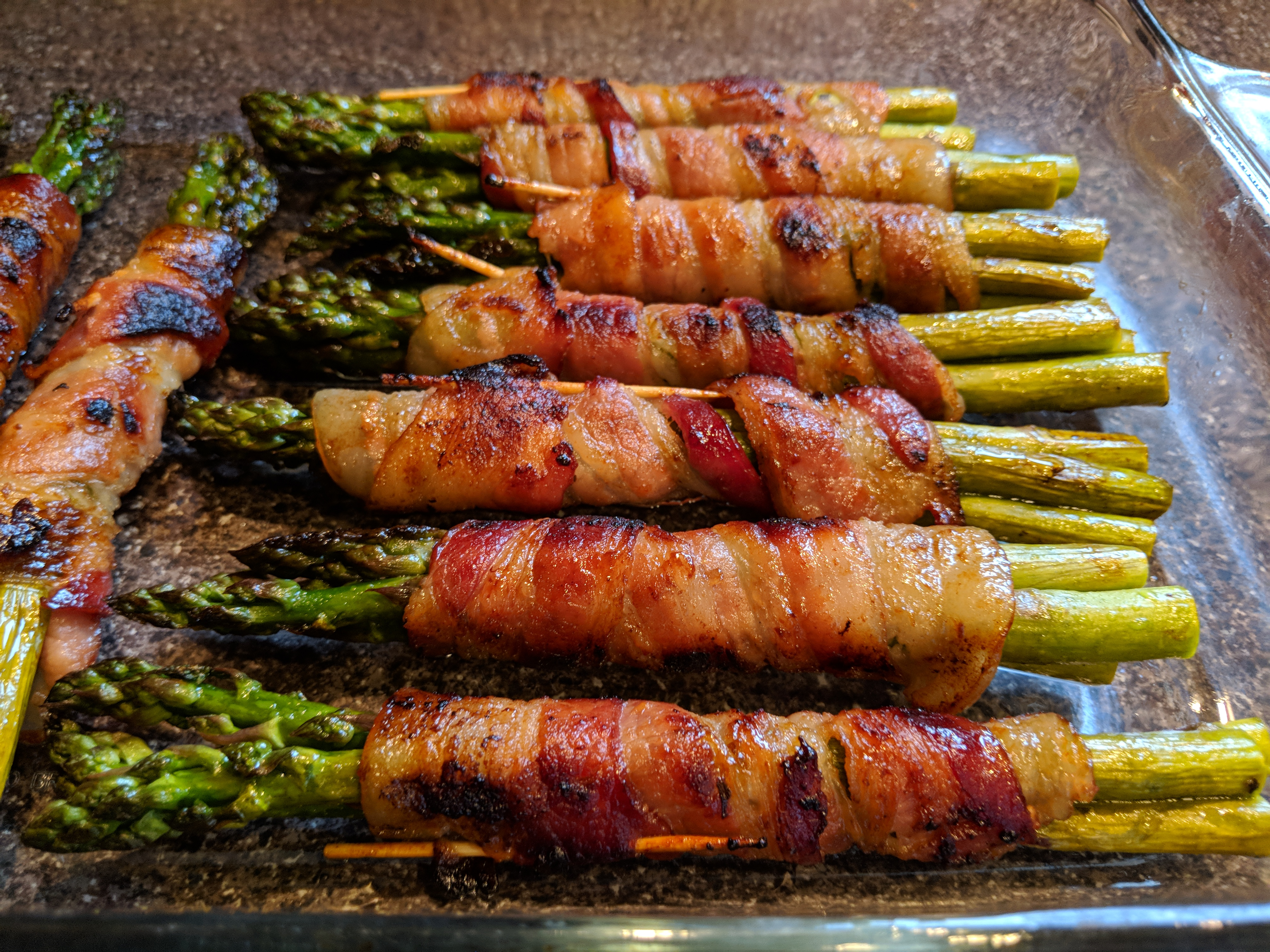 Bacon-Wrapped Sriracha Asparagus SZYQ1
