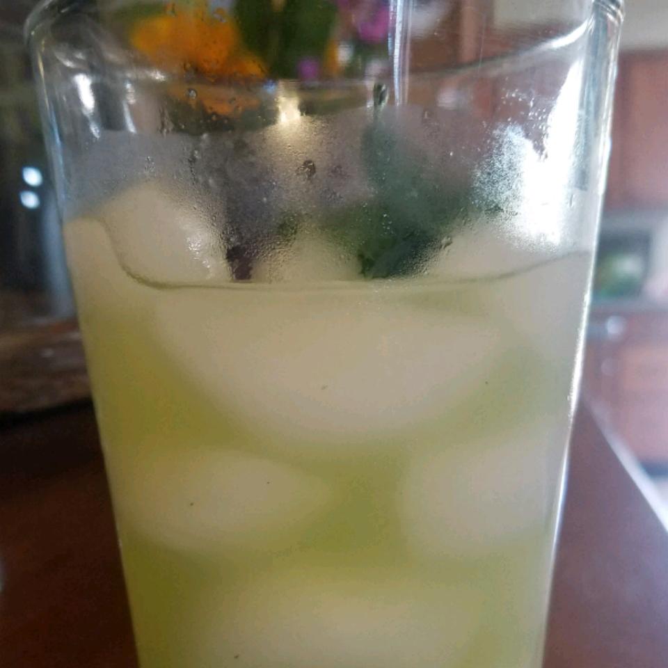 Agua Fresca de Pepino (Cucumber Limeade)