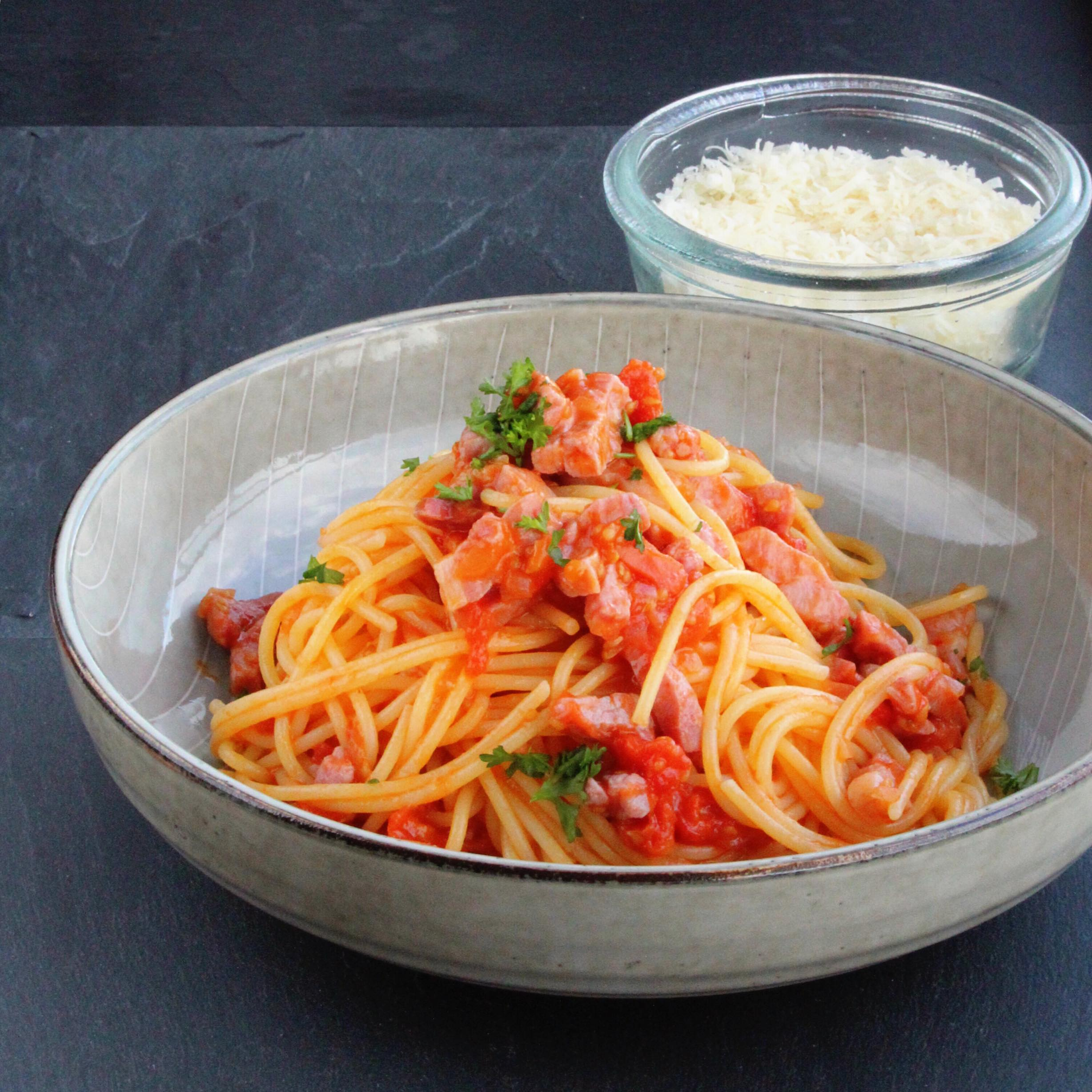 Traditional Spaghetti all'Amatriciana