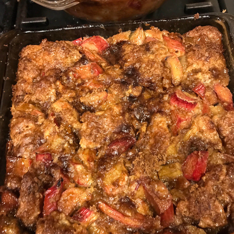 Outstanding Rhubarb Bread Pudding mona